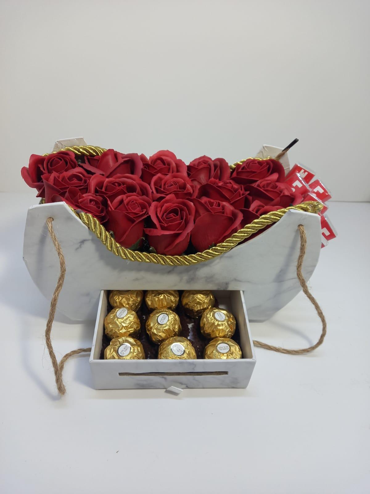 ורדים בשקית מהודרת